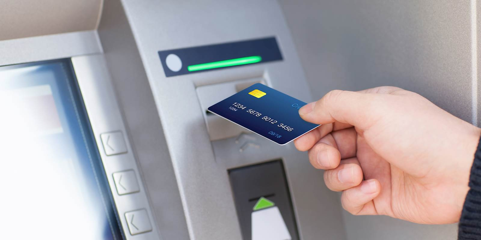 4 Tips to Avoid ATM Fees